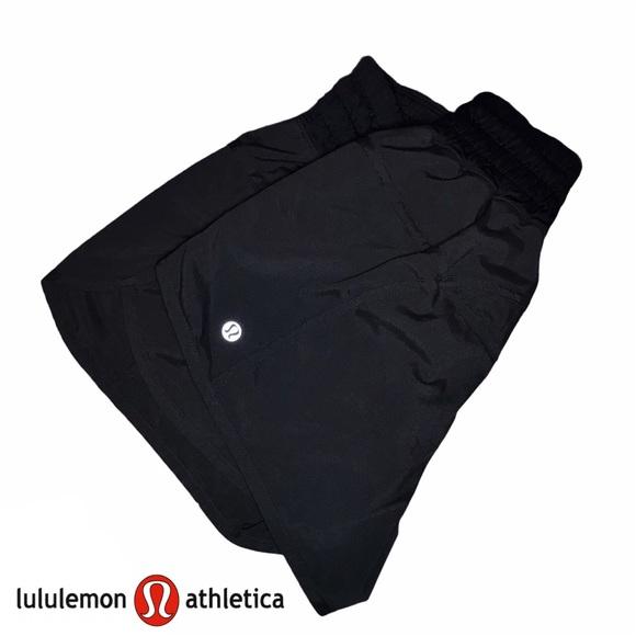 Lululemon Tracker Shorts Black In Sz. 6